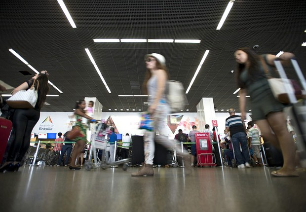 Movimento de passageiros no Aeroporto Juscelino Kubitschek, em Brasília (Foto: Marcelo Camargo/Agência Brasil)