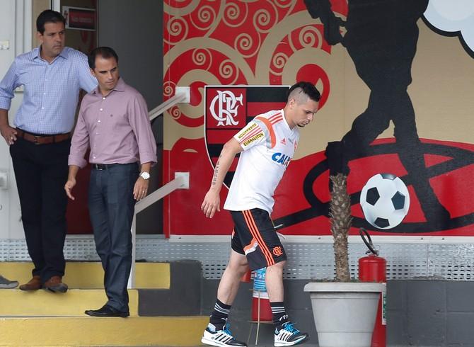 pará rodrigo caetano flamengo   (Foto: Alexandre Cassiano/O Globo)