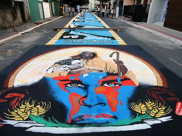 Cristãos chamaram a atenção para o cuidado com o planeta em mensagens nos tapetes de Castelo, no ES (Foto: Hugo Casagrande Andrade/ Prefeitura de Castelo)