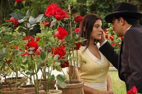 Priscila Fantin e Eduardo Moscovis na novela Alma Gêmea (Foto: TV Globo / Kiko Cabral)