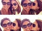 Carol Celico paparica mãe em fotos e diz: 'Minha referência, meu amor'