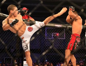 Lucas Mineiro nocauteou Oberdan Pezão em luta no Jungle Fight. (Foto: Lucas Mineiro/Arquivo Pessoal)