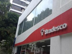 Agência do Bradesco na Graça está aberta. (Foto: Juliana Almirante/G1)