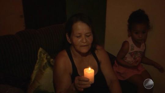 Moradores de povoado na Bahia  vivem sem energia elétrica há 20 anos