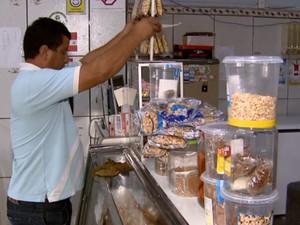Comerciante perde venda de espetinhos sem o carnaval em Rio Claro (Foto: Rodrigo Sargaço/ EPTV)