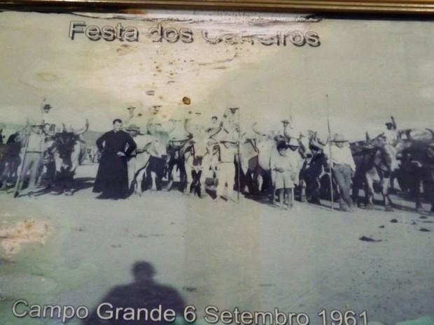 Foto datada de 1961 é registro mais antigo da festa de São João de Batista (Foto: Ricardo Welbert/G1)