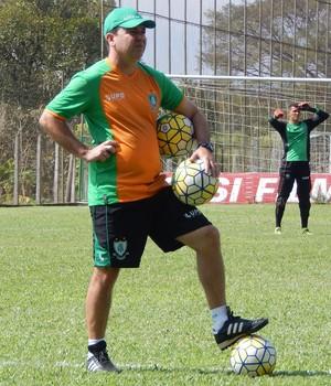 Enderson Moreira América-MG (Foto: Mourão Panda/ América-MG)