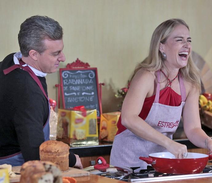 Angélica se diverte na cozinha com Luciano (Foto: Fábio Rocha/Gshow)