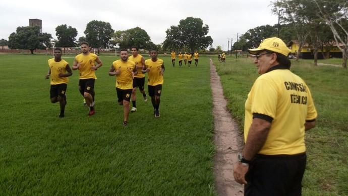 Elenco do Castanhal inicia os treinamentos para o Parazão 2017 3ede9945d7fd7