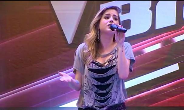 Mariana Mira, ex-The Voice, faz pocket show em São José (Foto: Wanderson Borges/  VangUarda)
