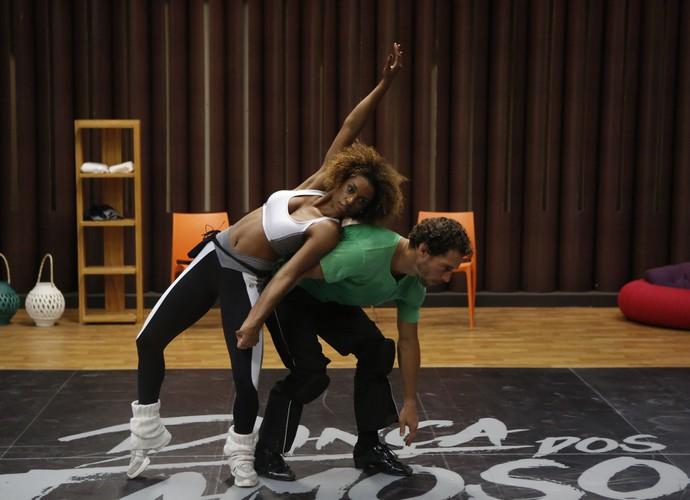 A coreografia está rolando (Foto: Fábio Rocha/Gshow)