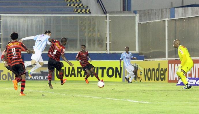Gol de Pipico, macaé x oeste (Foto: Tiago Ferreira / Macaé Esporte)