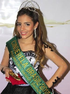 Mel Régis foi coroada Cinderela do Brasil 2013 (Foto: Arquivo Pessoal/Suzy Régis)