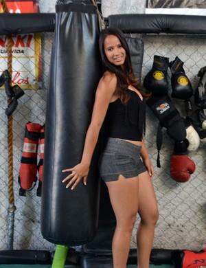 A ring girl Daiane de Fátima Onofre (Foto: Tiago Campos)
