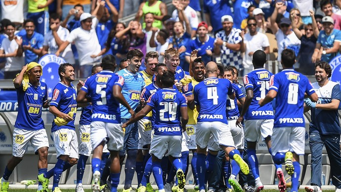 Mineirão; Cruzeiro; Willian (Foto: Fred Magno/Light Press)