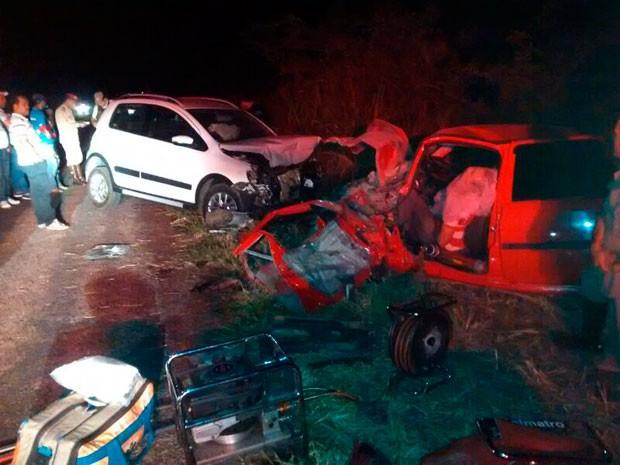 Colisão frontal entre veículos mata dois vereadores e deixa um ferido na BR-242 (Foto: PRF/Divulgação)