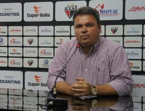 Adson Batista, diretor de futebol do Atlético-GO (Foto: Daniel Mundim/GLOBOESPORTE.COM)