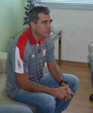 Vinícius Saldanha; técnico; Sergipe (Foto: Felipe de Pádua)