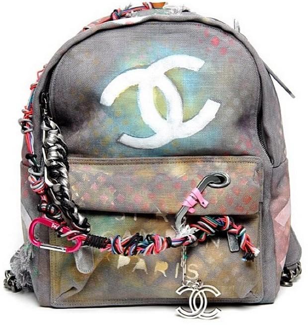 """Chanel cria polêmica com mochila """"destroyed"""" de R$ 8 mil ..."""