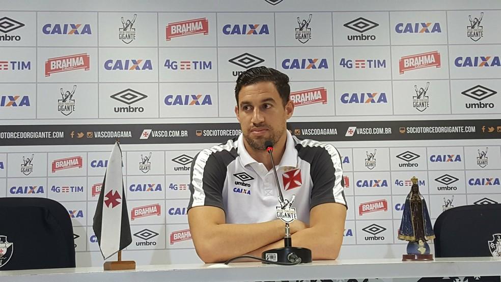 Martín Silva acredita que pouco tempo para treinos tem prejudicado defesa do Vasco (Foto: Felipe Schmidt)