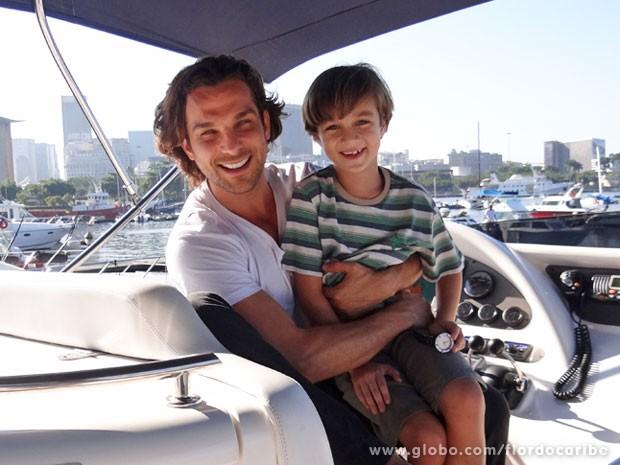 Igor Rickli e Vitor Figueiredo gravaram na Marina da Glória (Foto: Flor do Caribe / TV Globo)