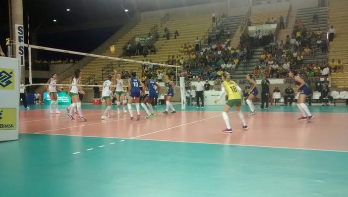 Brasil x Bulgária, em Maceió (Foto: Leonardo Freire/GloboEsporte.com)