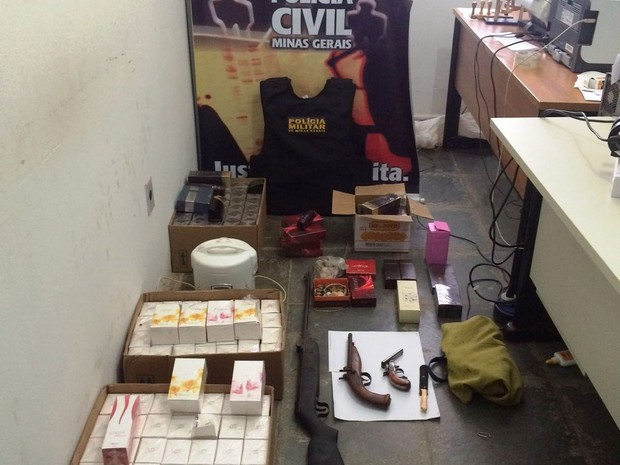 Parte dos produtos apreendidos pela Polícia Civil (Foto: Divulgação/Polícia Civil)