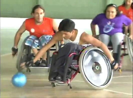 Alunos desenvolvem diversos esportes (Foto: Amazônia TV)