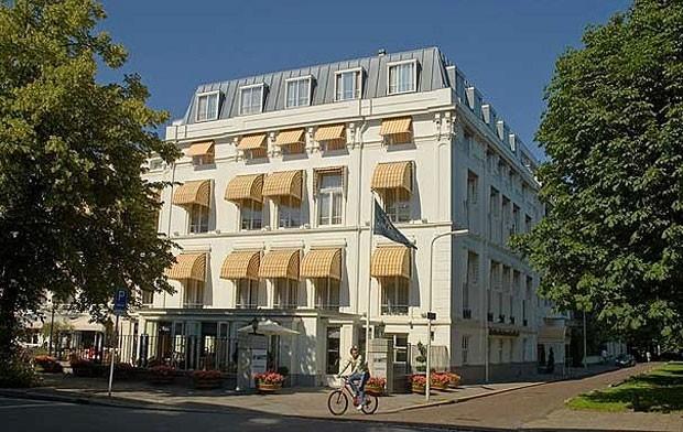 """Um novo tipo de hotel na Holanda permite que casais infelizes façam """"check in"""" casados e """"check out"""" solteiros, tudo num pacote de fim de semana que inclui advogados e acomodações de luxo – separadas, claro. O Divorce Hotel (literalmente 'hotel do divórcio') já possui seis unidades no país. Os hóspedes podem escolher entre pacotes que custam entre US$ 2,5 mil e US$ 10 mil, dependendo da complexidade do processo de separação ou se o há um litígio em questão. (Foto: Reprodução)"""
