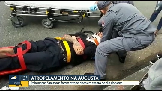 Motorista que atropelou skatistas em SP ainda não se apresentou