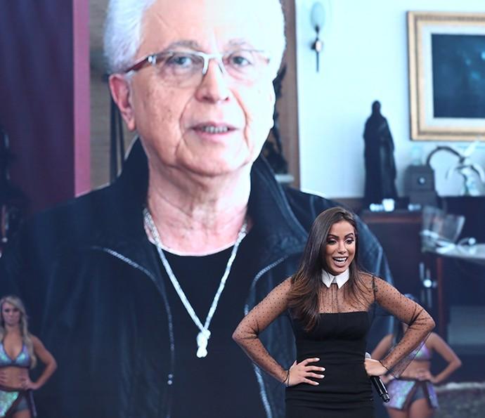 Aguinaldo Silva faz convite para Anitta estrear em novela (Foto: Carol Caminha/Gshow)