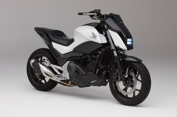 """Honda e sua moto que se """"autoequilibra"""" (Foto: Divulgação)"""