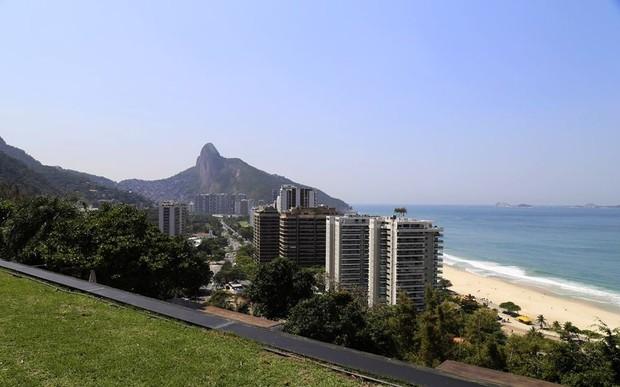 Casa onde Justin Bieber fez festa particular (Foto: Brazil Exclusive / Reprodução)