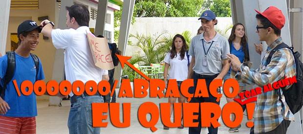 Abraçaço no Botando Pilha! (Foto: Malhação / TV Globo)