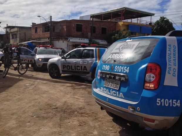 Motoristas e cobradores das linhas Barbalho/Detran e Monsenhor Fabrício voltaram a trabalhar após reforço policial na comunidade do Detran (Foto: Kety Marinho/ TV Globo)