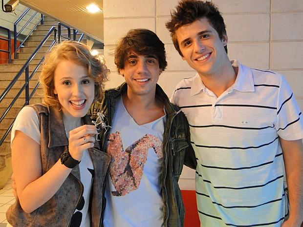 Guga Sabatiê visitou os amigos Marcella Rica e Gil Coelho (Foto: Malhação / TV Globo)