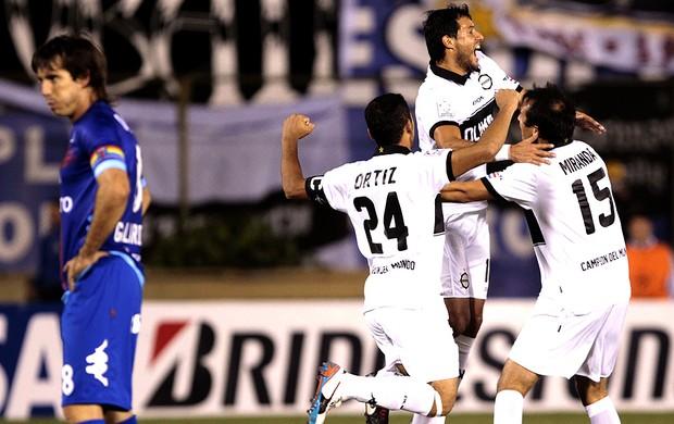 Freddy Bareiro comemoração Olimpia Tigre (Foto: EFE)