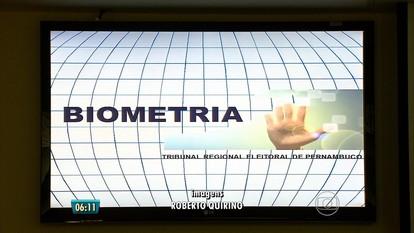 Cerca de 700 mil eleitores pernambucanos ainda não fizeram cadastramento biométrico
