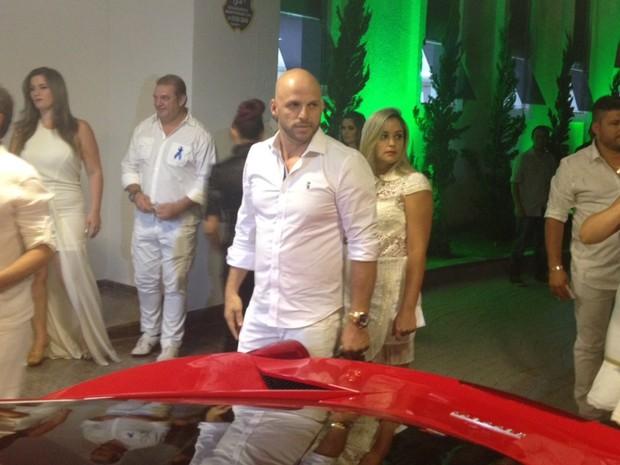 Ronaldo Miranda, ex-motorista de Cristiano Araújo e atual secretário de Marrone compareceu ao evento (Foto: Sílvio Túlio/G1)