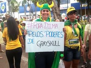 Protesto reuniu cerca de 8 mil pessoas nas avenidas de Cuiabá, segundo a PM. (Foto: André Souza/G1 MT)