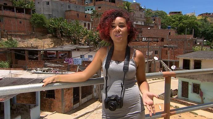 A fotógrafa Lane Silva é a idealizadora do projeto Favela Produz (Foto: TV Bahia)