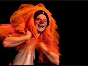 História do palhaço Claus será exibida nesta terça (Foto: Cia Carona de Teatro/Divulgação)