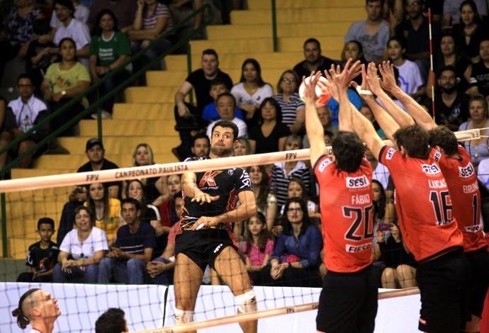O Sesi venceu o Campinas, no primeiro jogo da semifinal do Paulista de vôlei masculino (Foto: Divulgação/Sesi-SP)