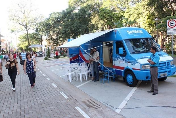 Central Móvel do Semae atende moradores de Talhado (Foto: Divulgação/Prefeitura)