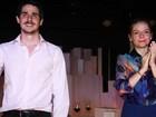 Pedro Neschling dirige a namorada Vitória Frate no teatro