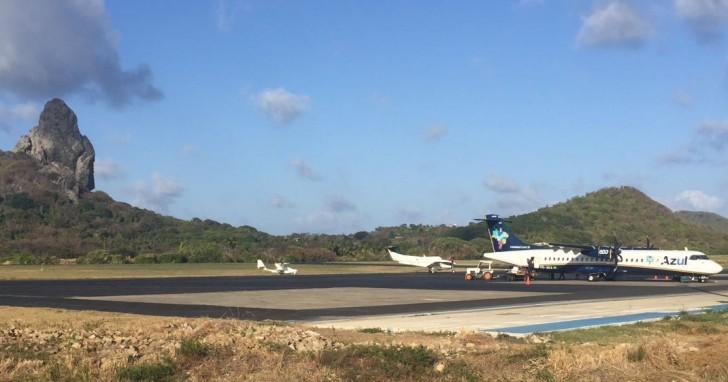 Avião pequeno Noronha 2