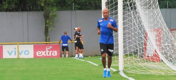 Marcos Assunção treino Santos (Foto: Marcelo Hazan)
