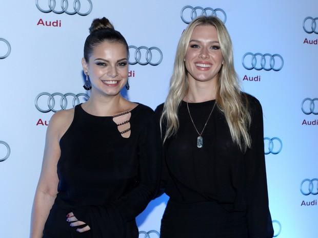 Milena Toscano e Fiorella Mattheis em evento na Zona Sul do Rio (Foto: Alex Palarea/ Ag. News)