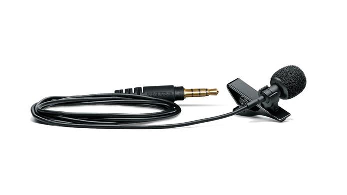 Microfone compacto pode ser preso à lapela (Foto: Divulgação/Shure)