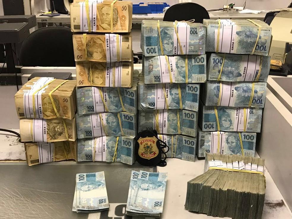 Dinheiro apreendido pela Polícia Federal na Operação Patmos (Foto: Reprodução)
